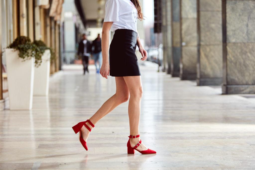 Fotografo campagna scarpe ConTe modella Biella Zin prodotto