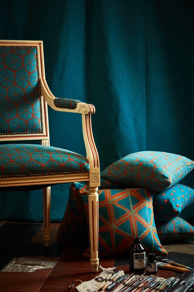 Fotografo tessuti di arredo sedia cuscino Filippo Uecher design Biella Zin