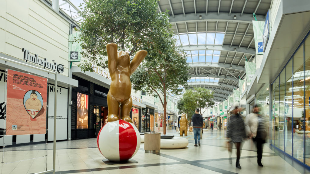 Fotografo Architettura centro commerciale Orsi Biella Zin